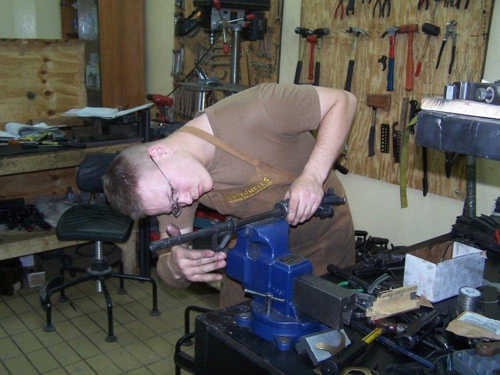 Repairing weapons