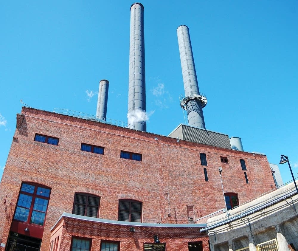 U of M steam plant