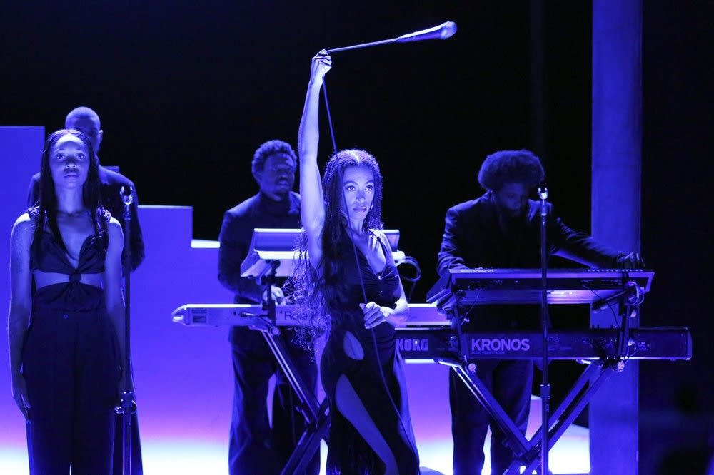 Solange performs on 'The Tonight Show Starring Jimmy Fallon'