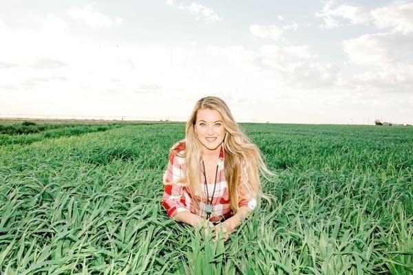 Tara Vander Dussen aka New Mexico Milkmaid