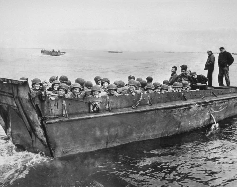 D Day Invasion Boats Photos: Coming ashore ...