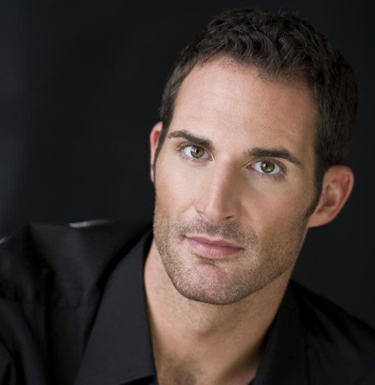 Bill's twin? Tenor, James Valenti