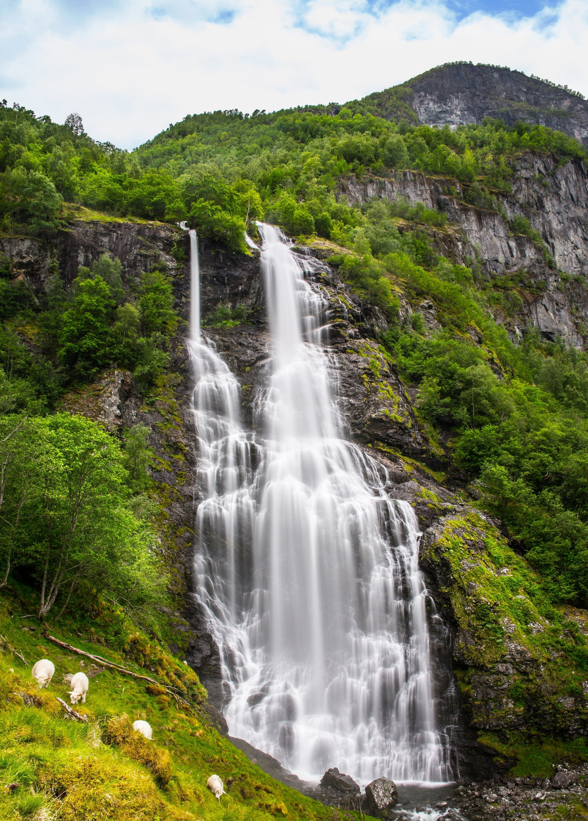 Flam - 20 - waterfall long shutter