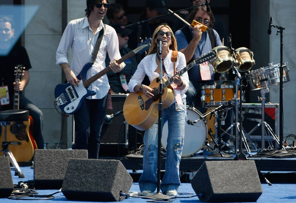 Sheryl Crow rehearses at Invesco Field