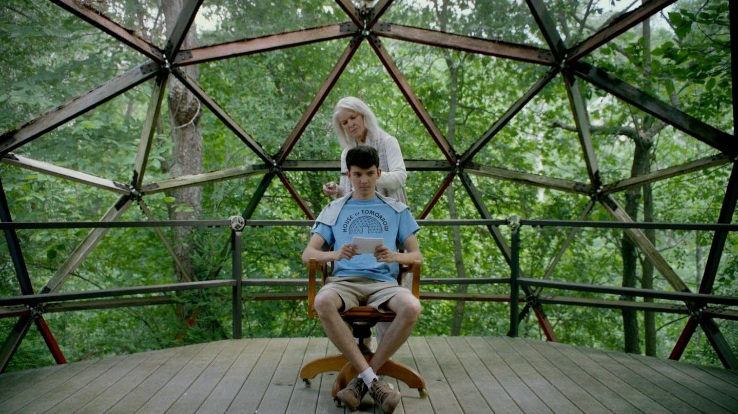 Ellen Burstyn and Asa Butterfield in 'The House of Tomorrow.'