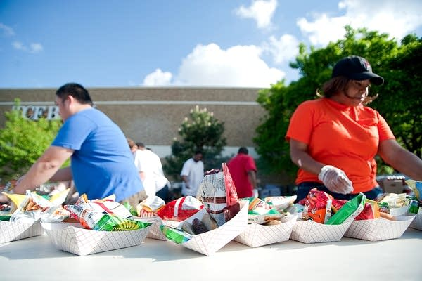 A dinner for tornado victims