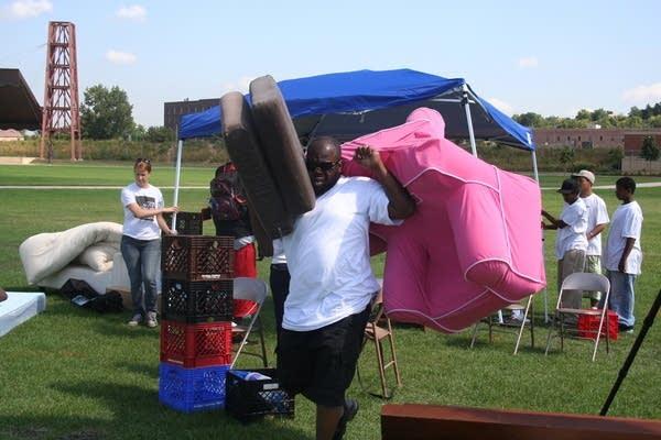 Members set up Bushville in St. Paul