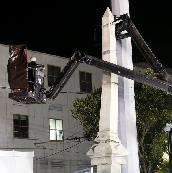 New Orleans takes down 1st of 4 Confederate statues   MPR News