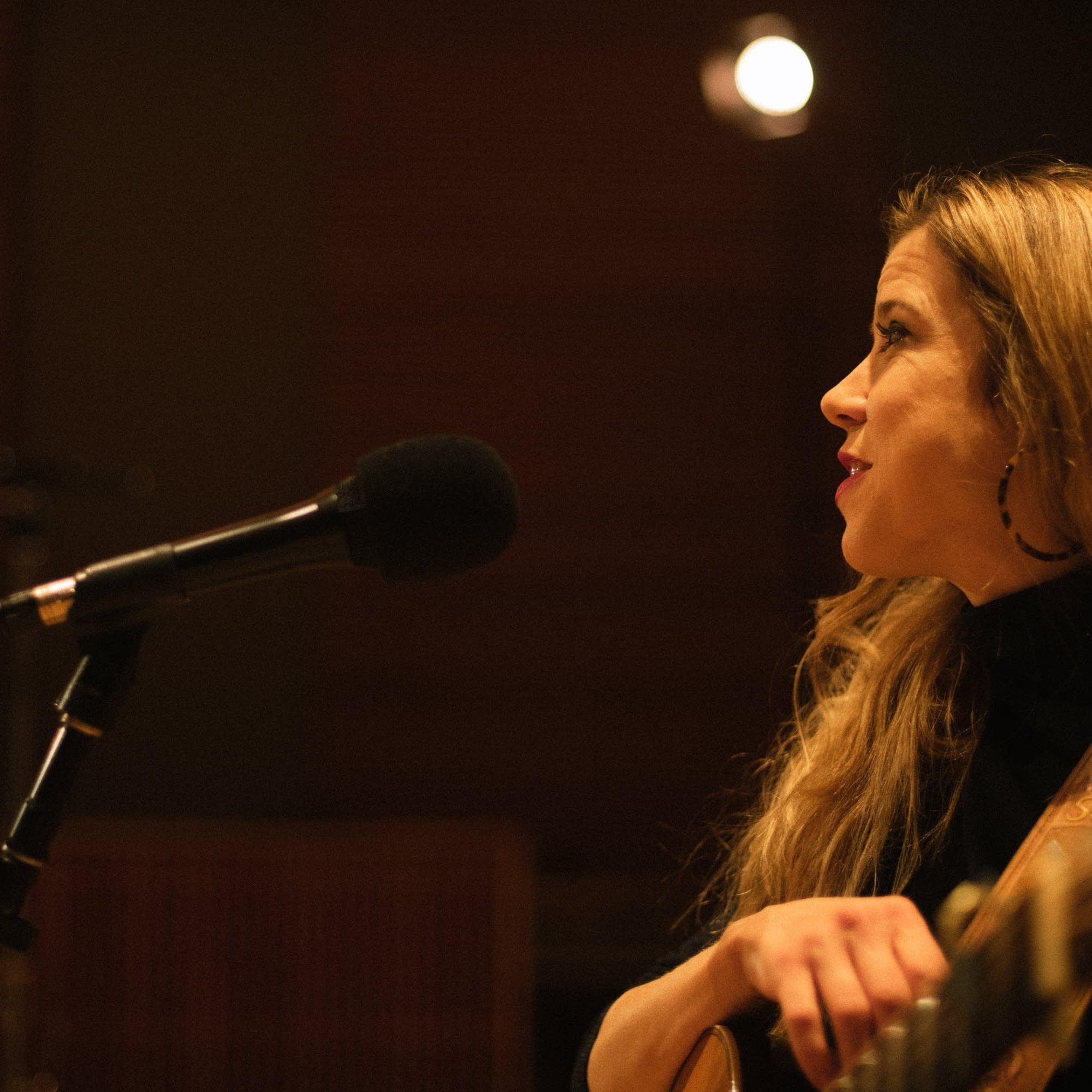Sarah Morris performs at Radio Heartland