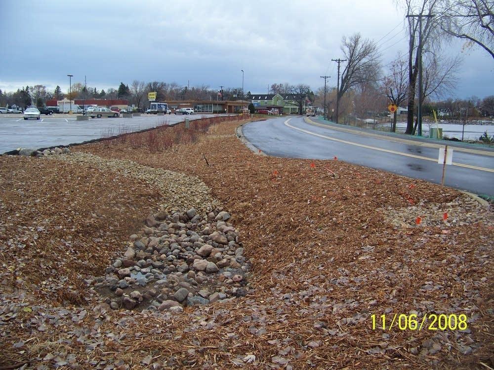 Stormwater spillway
