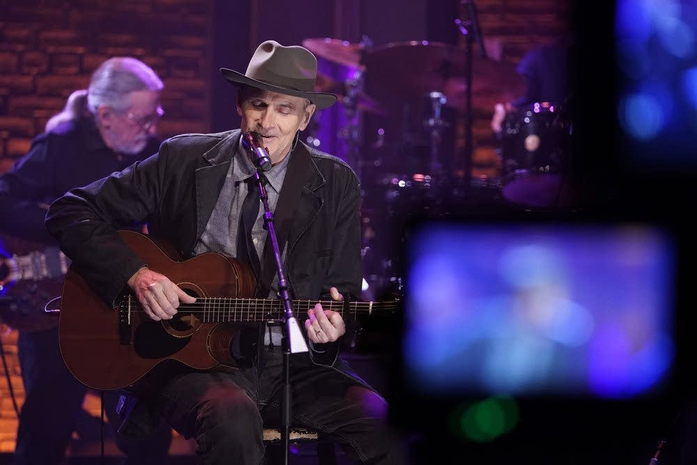 James Taylor performs on 'Late Night with Seth Meyers'