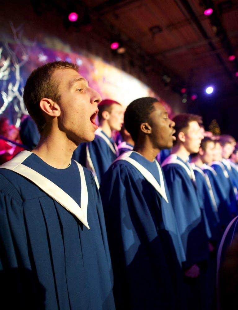 2012 St. Olaf Christmas: Viking Chorus