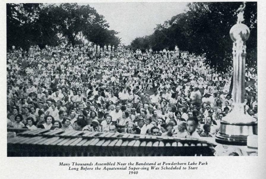 Aquatennial community sing, 1940