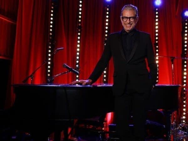 Jeff Goldblum, jazz artist, with piano.