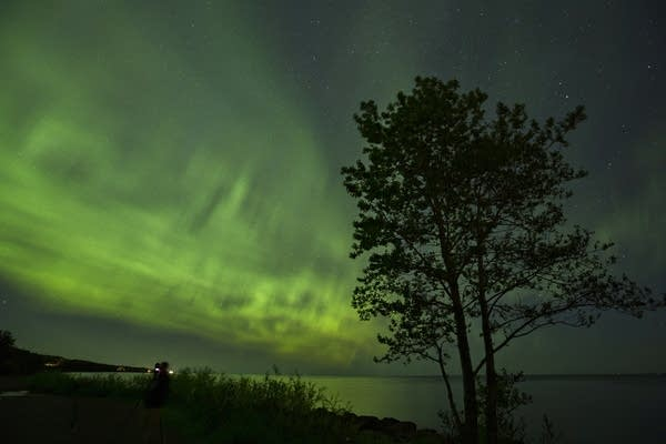 Northern lights over Brighton Beach in Duluth