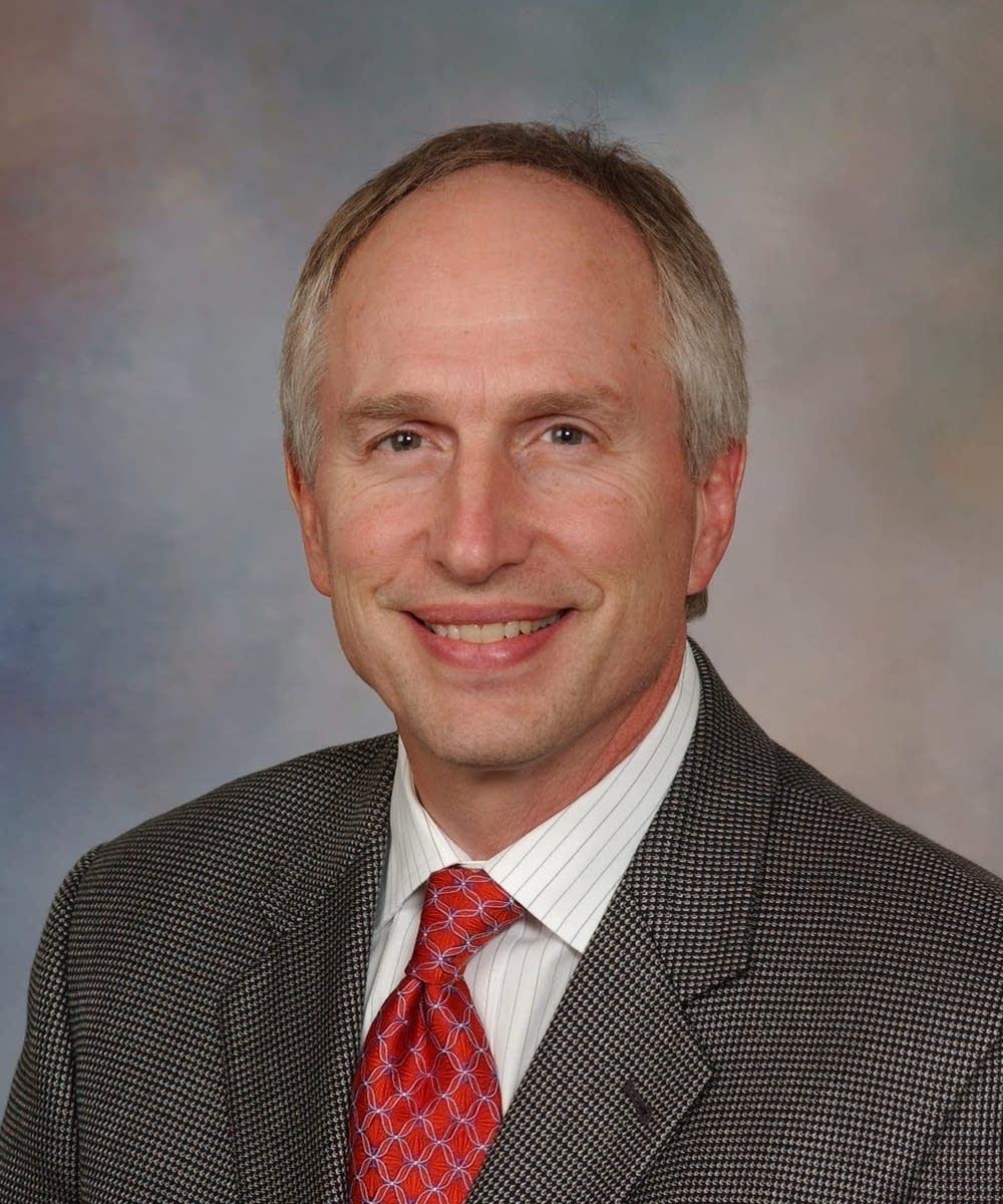 Dr. David Ahlquist