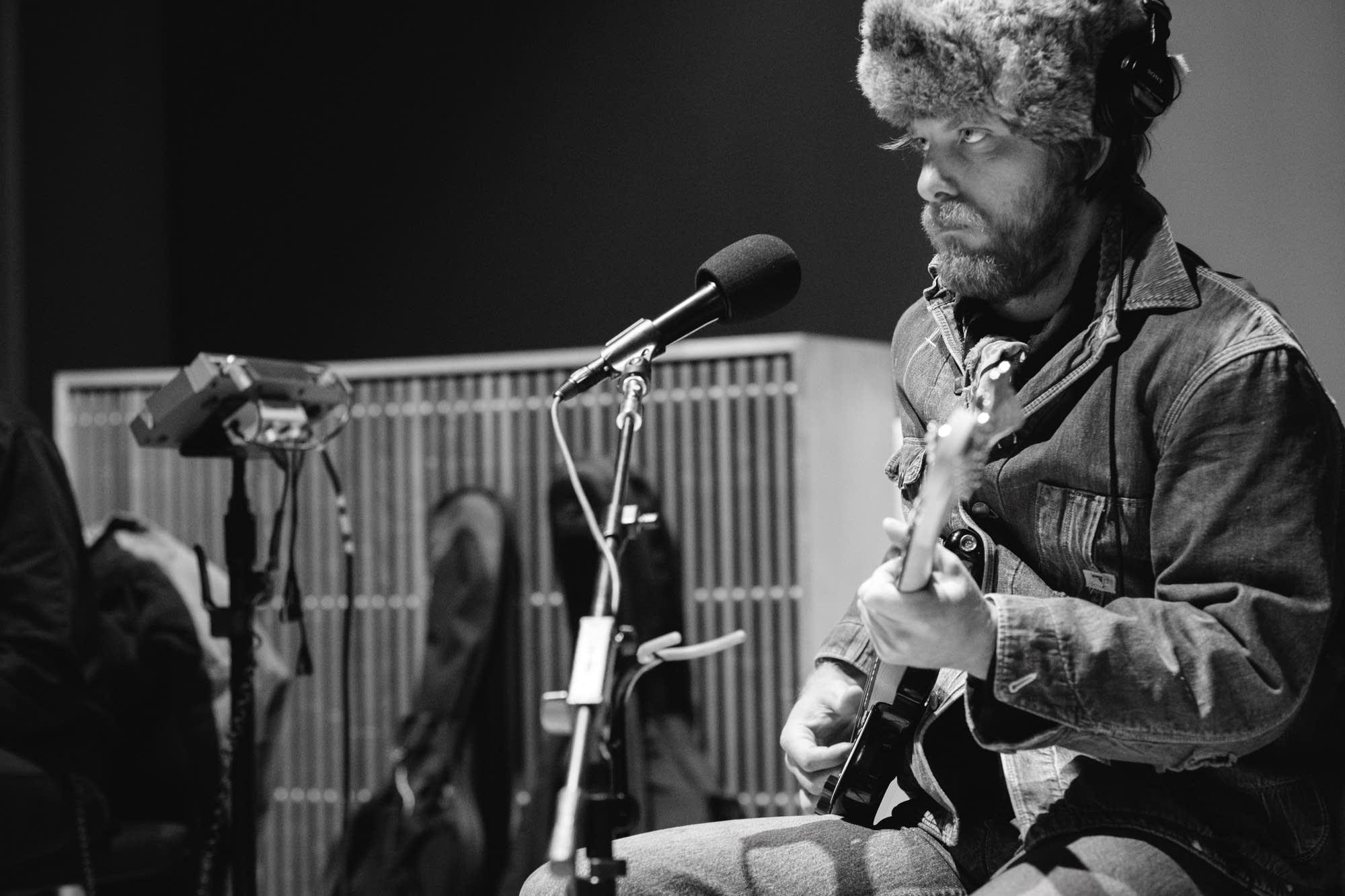 David Huckfelt performs in The Current studio