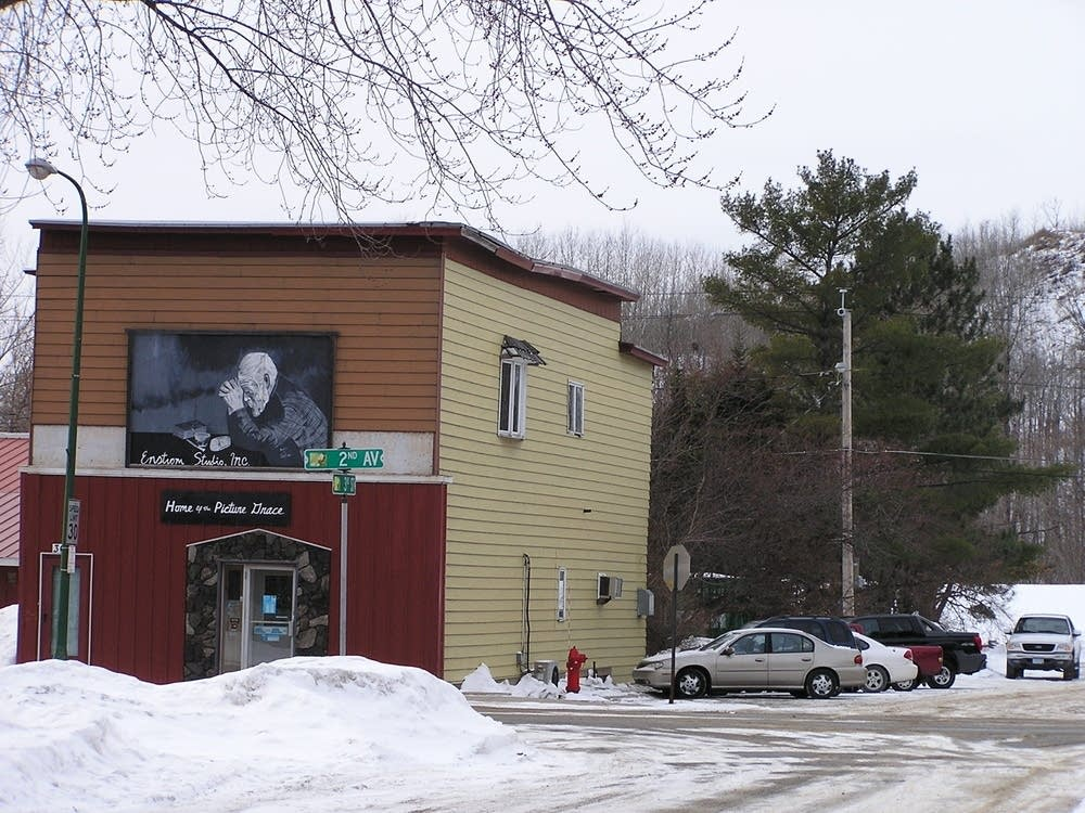 Enstrom Studio