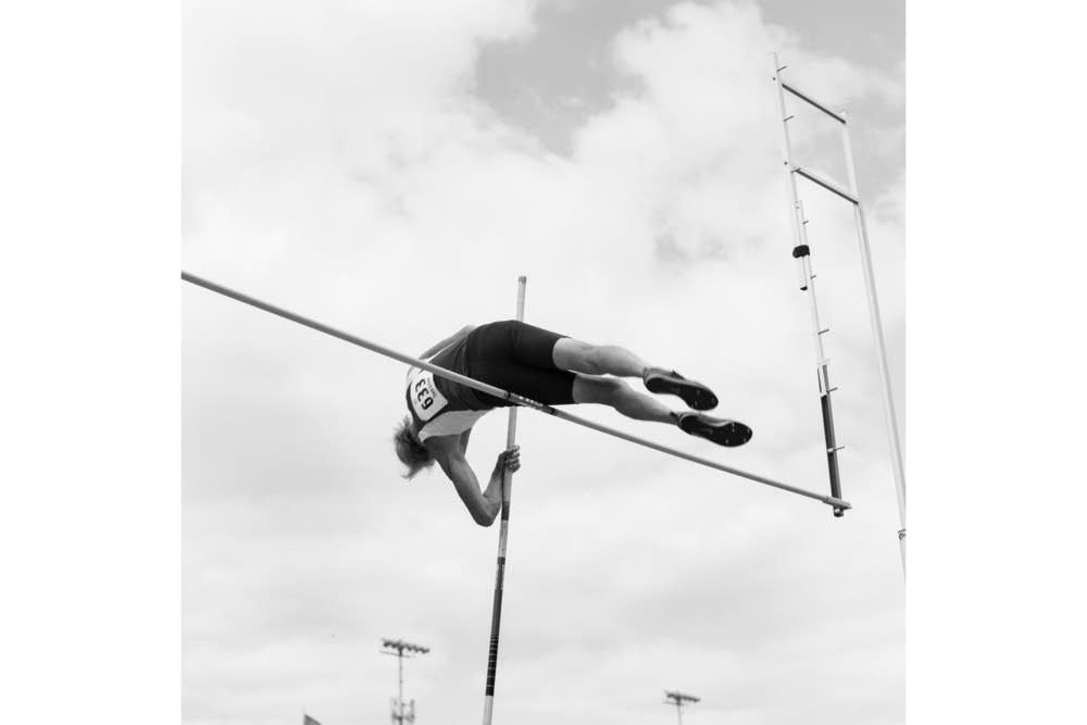Texan Don Isett, 76, pole vault