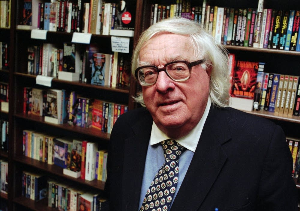 Author Ray Bradbury