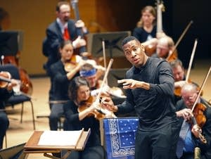 Roderick Cox conducts the Minnesota Orchestra.