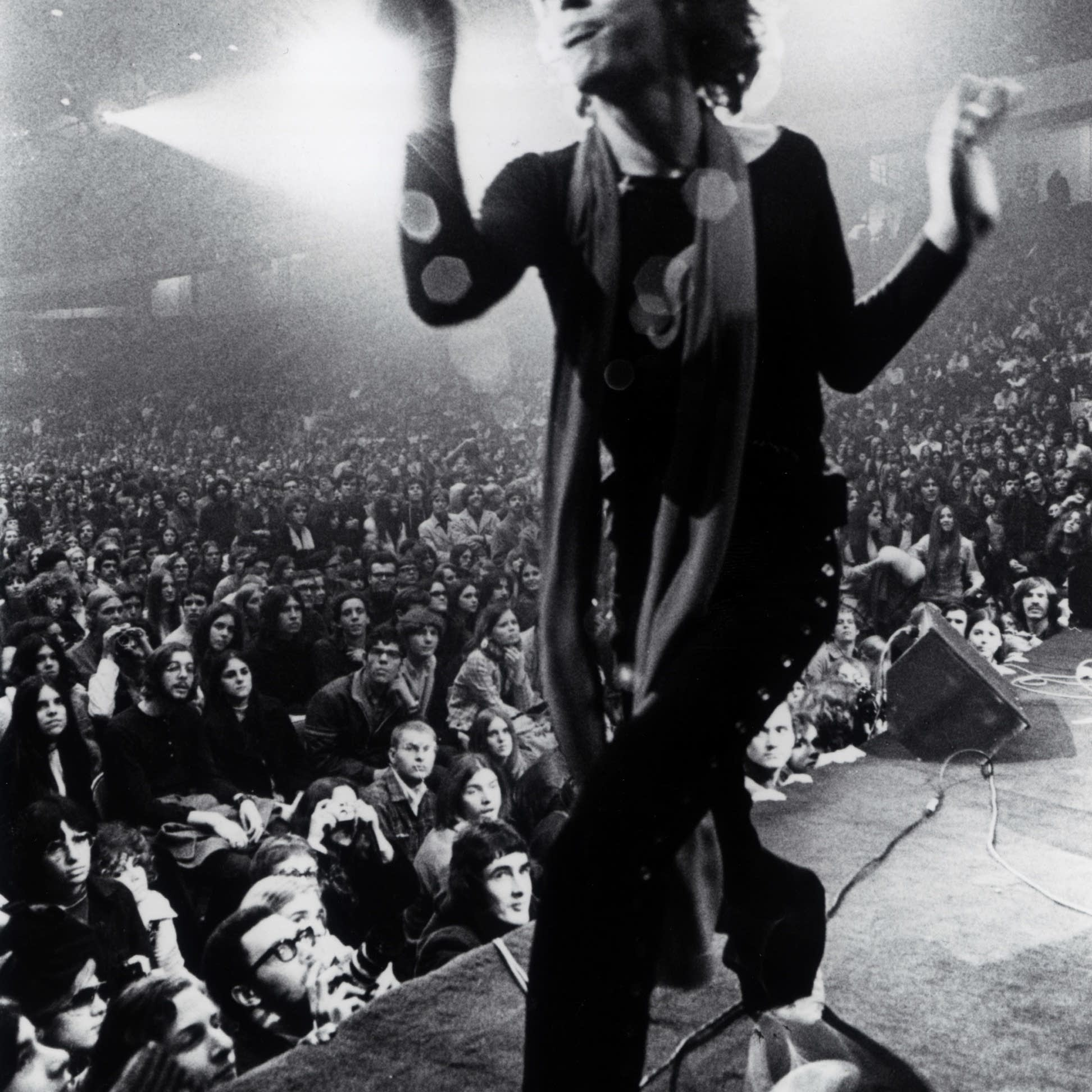 Mick Jagger dancing Gimme Shelter