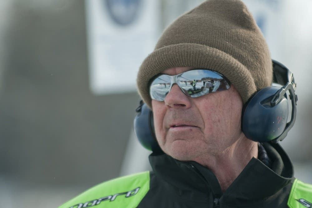 Chuck Bohlke watches Craig Bohlke