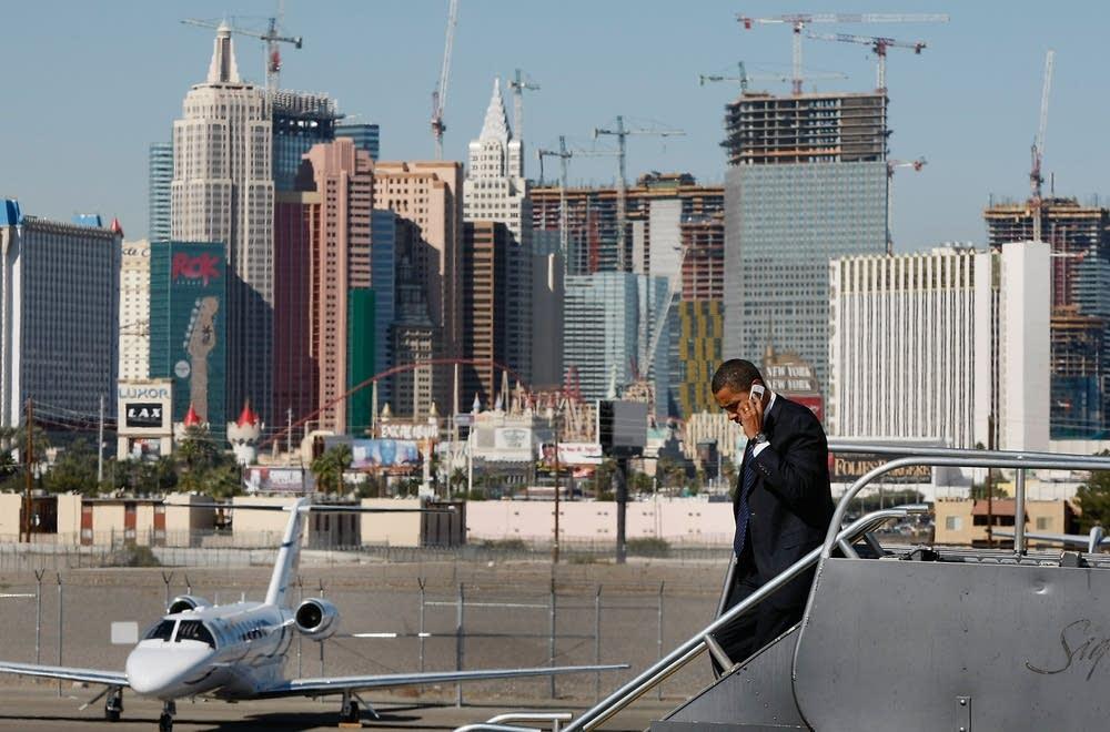 Barack Obama arrives in Las Vegas