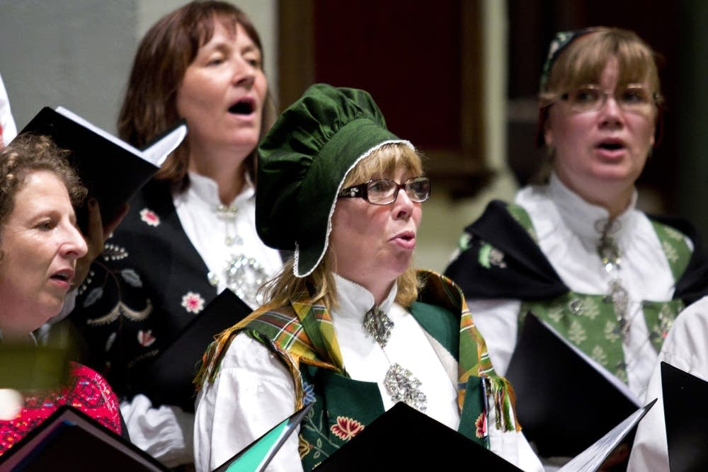 Norwegian choir dressed in traditional clothing