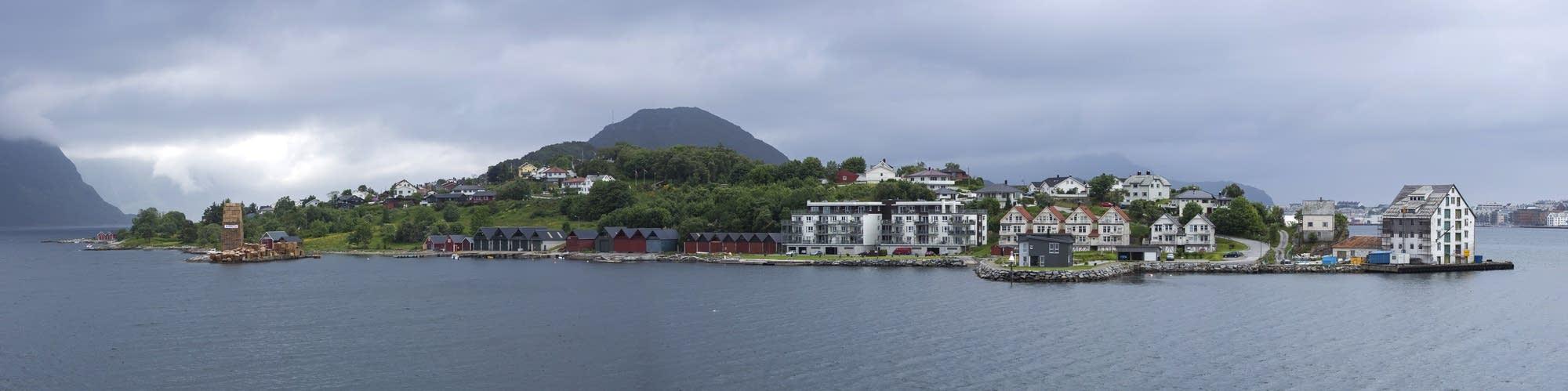 Alesund - 34 - peninsula panorama