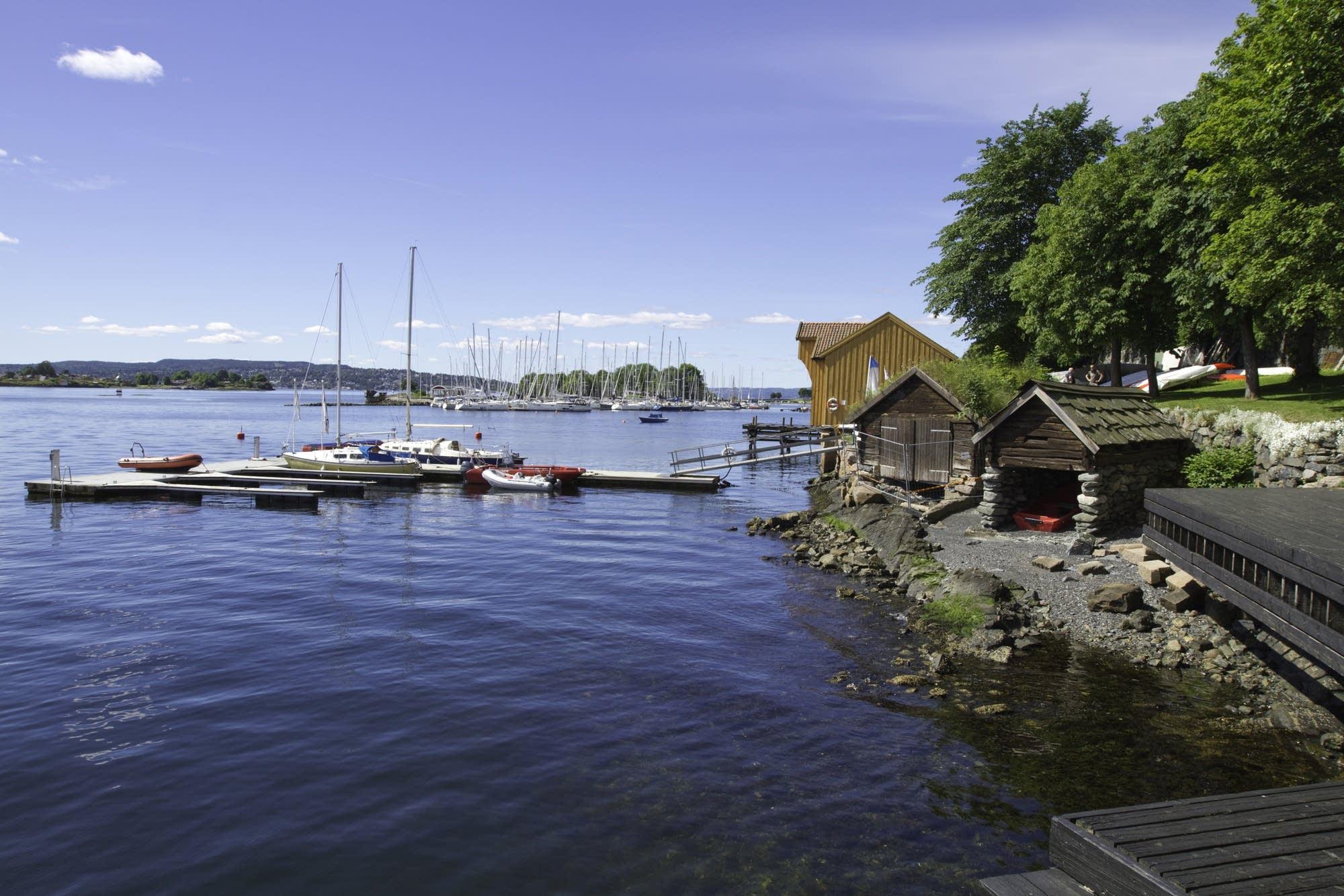 Oslo - 29 - boats and sheds