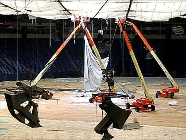 Metrodome roof repair