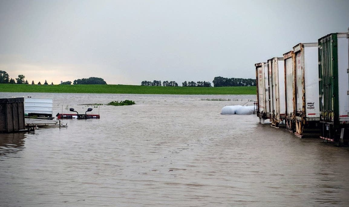 Heavy rains swamping SW Minnesota; flood warnings out ...