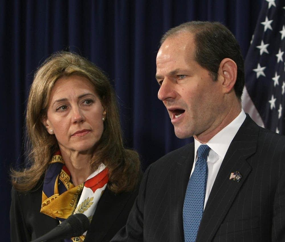 Spitzer resigns
