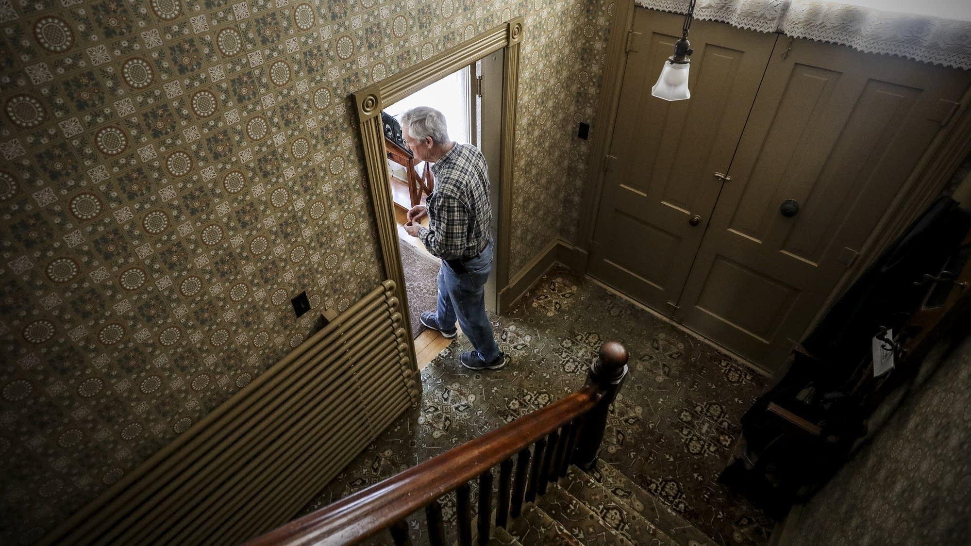 Scott Birkhead tours the childhood home of Sinclair Lewis.