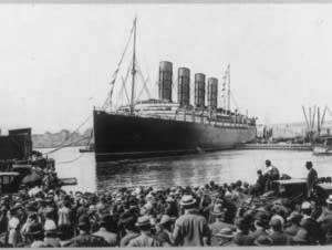 Lusitania, coming into dock, New York City