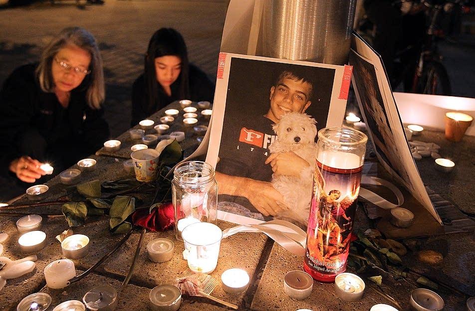 Memorial to Scott Olson
