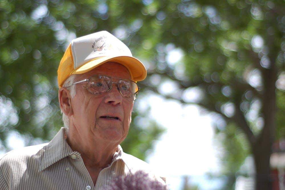 Dewey McLaren
