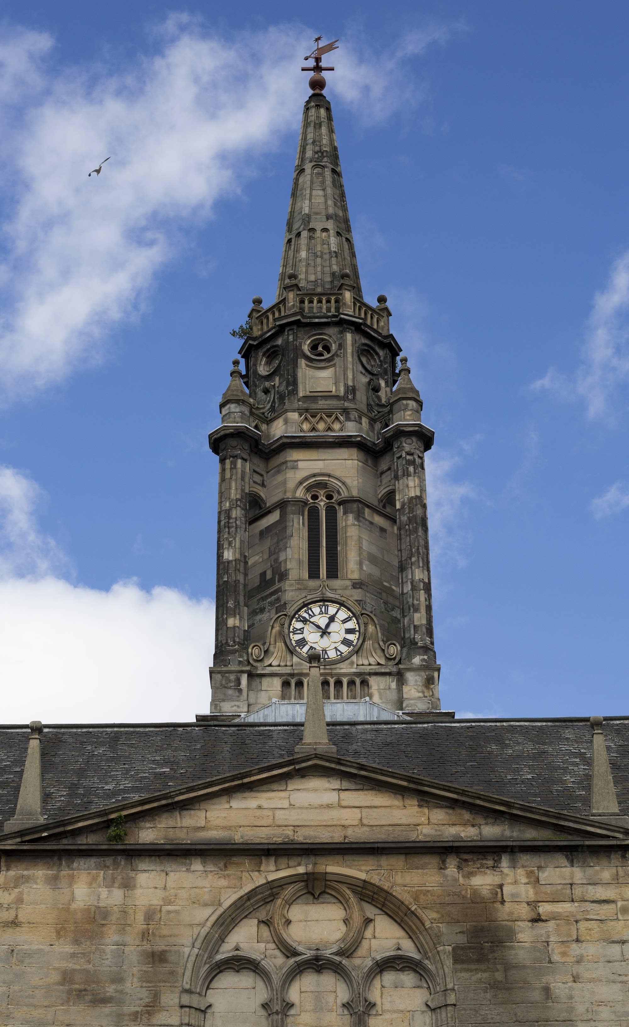 Edinburgh - 40 - Clock tower