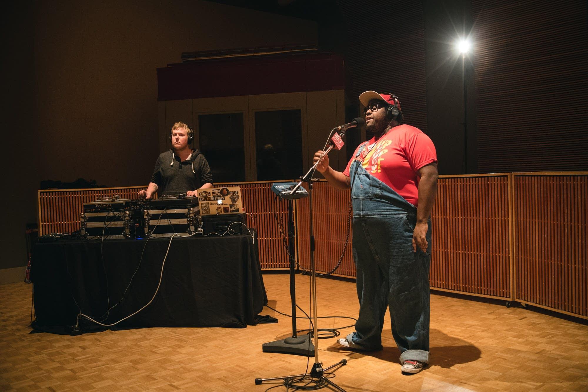 Nur-D performs in The Current studio.