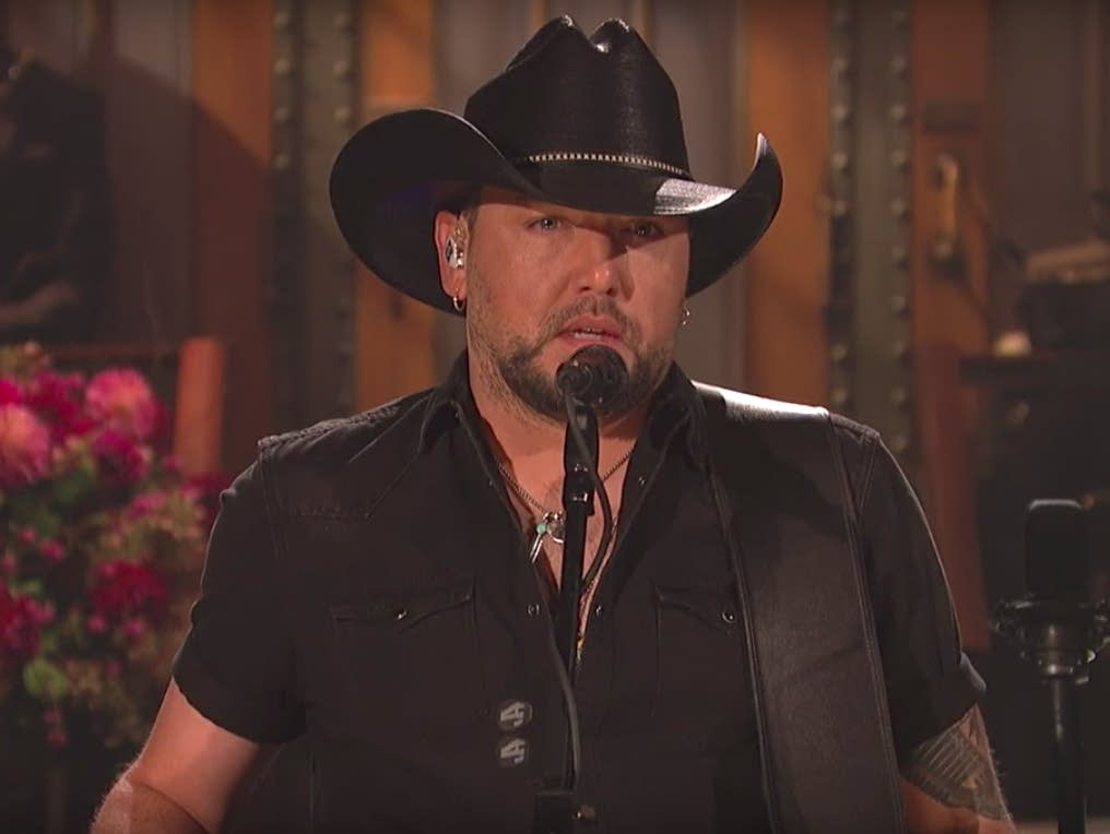 Jason Aldean on 'Saturday Night Live,' Oct. 7, 2017.
