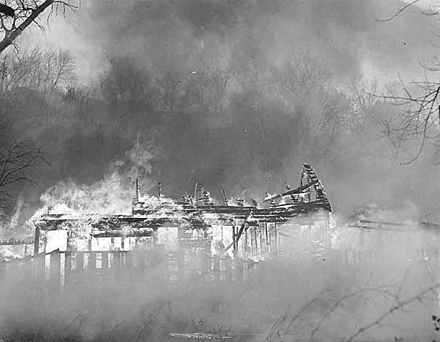 Swede Hollow home burns