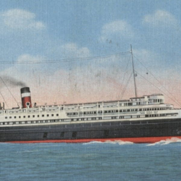 A postcard view of the steamship 'Noronoic' in Duluth Harbor, 1930.