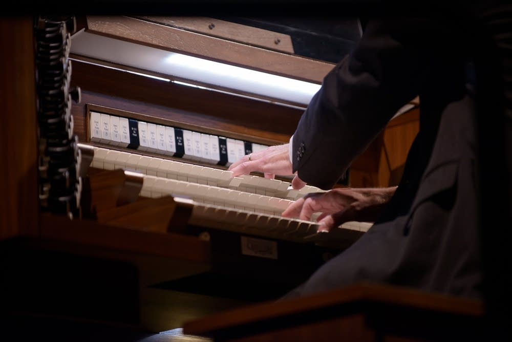 Organ accompaniment