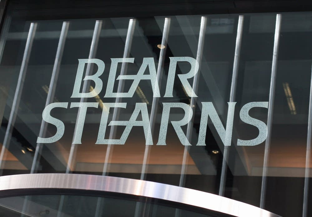 bear stearns case essay Required case reading: 1) bear stearns series in the wall street journal a) lost opportunities haunt final days of bear stearns, may 27, 2008, p a1 b) fear, rumors touched off fatal run on bear stearns , may 28, 2008, p.