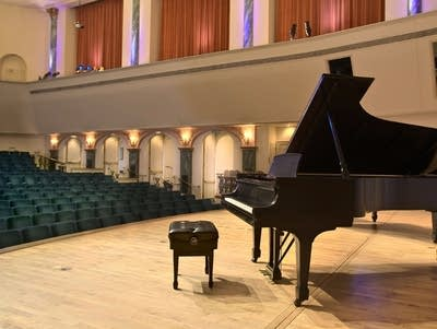 6c88b4 20170911 spiveyhall piano fromstage
