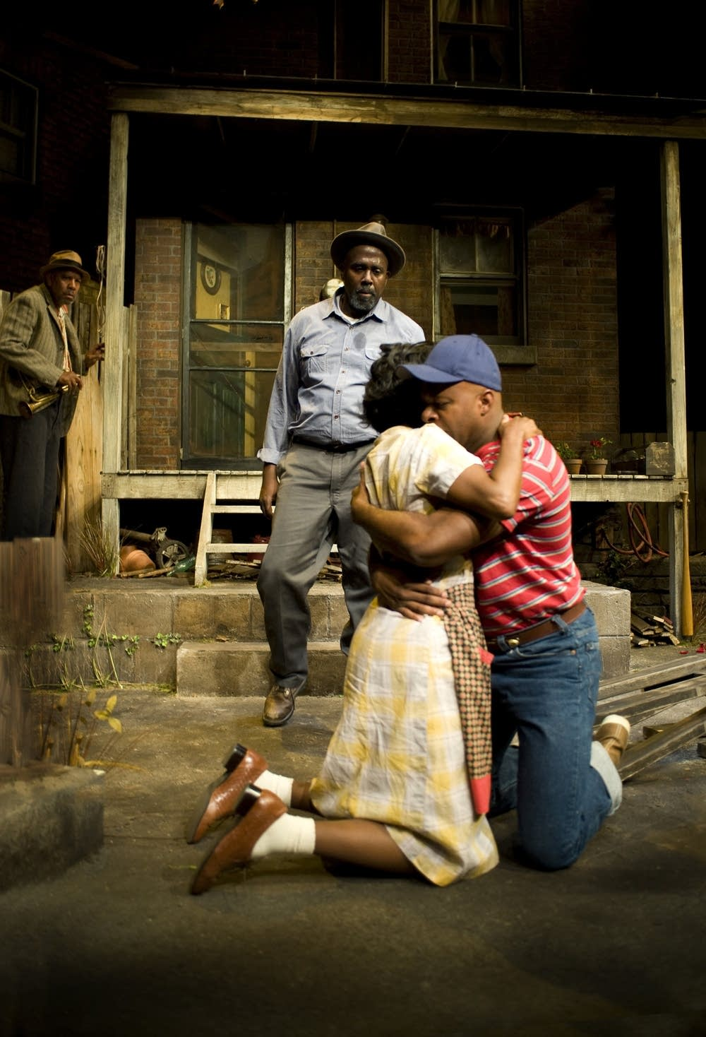 relationship between troy and lyons in fences by august wilson August wilson's fences jump to section: current section overview troy maxson jim bono - troy's friend rose - troy's wife lyons - troy's oldest son by previous marriage gabriel - troy's brother cory - troy and rose's son raynell - troy's daughter.