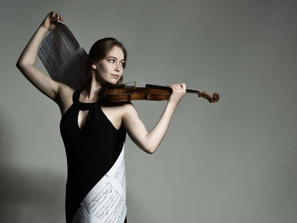 Violinist Geneva Lewis