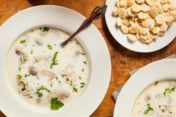 Classic Creamy Oyster Stew