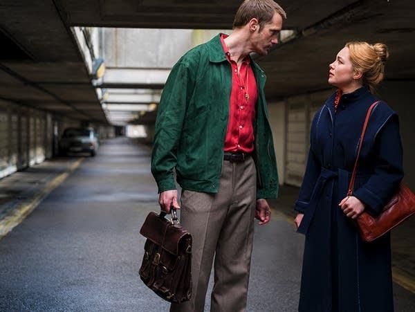 Becker (Alexander Skarsgard) and Charlie Ross (Florence Pugh)